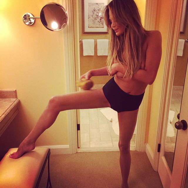 Chrissy Teigen nude on Instagram