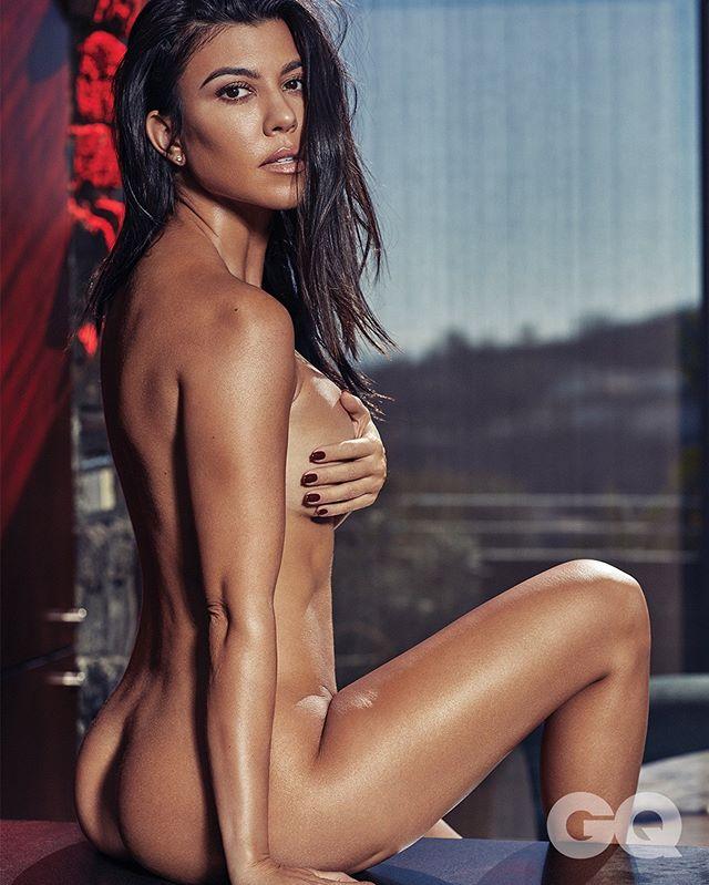 Kourtney Kardashian nude on Instagram